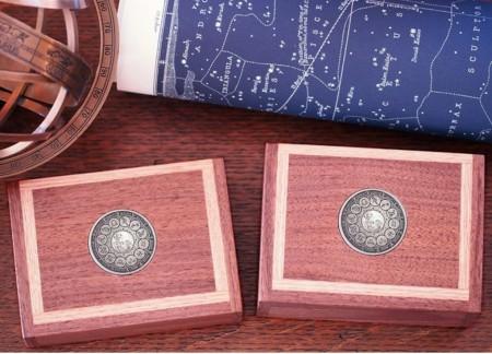 【USPCC撲克】Ecliptic Zodiac 2-DECK WOODEN BOX S103049237