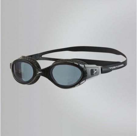 【線上體育】speedo 成人運動泳鏡 Futura Biofuse  黑灰 SD811315B976